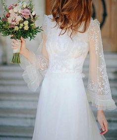 Idealidades de domingo!✨💘 Por @jvbyjorgevazquez y @flowersandco #flechazodeldia #vestidodenovia #mangassoñadas #idealidad #boda #wedding #casamiento #novia #bride #weddinggown