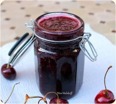 easy cherry jam by bubblebourke Chutney, Jam And Jelly, Cake & Co, Sweet Breakfast, Sweet Cakes, Simple Syrup, Chocolate Fondue, Caramel, Cherry
