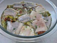 Śledzie w oleju inaczej Seafood Salad, Fish And Seafood, Fish Dishes, Seafood Dishes, Polish Recipes, Polish Food, Water Recipes, Baked Salmon, Potato Salad
