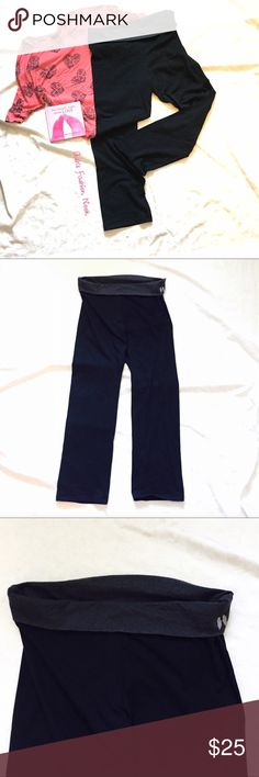 💠New Listing💠 Victoria's Secret-Sweat Pants 🌼EUC! Very cute and comfy, VS sweat pants! They have a very cute wings emblem in the side. Great for yoga, working out, or lounging!🌼💸Free Shipping on bundles with three or more items. After you bundle your three items, make an offer with $6 off the discounted bundled price.💸 Victoria's Secret Pants
