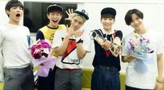 Shinee win on Music bank! Shinee so cute! :)