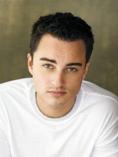 Kerr Smith - I cannot believe this man is 40 years old. He played a 17 year old character when he was 26. Crazy!
