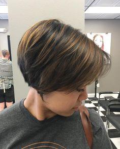 40 Stylish Pixie Haircut For Thin Hair Ideas 13 - Nona Gaya Pixie Haircut Thin Hair, Haircuts For Fine Hair, Short Hair Cuts, Short Hair Styles, Pixie Cuts, Wedge Hairstyles, Short Bob Hairstyles, Bob Haircuts, Balayage Hair Tutorial