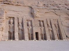 Abu Simbel Temples, Egypt, i need to see this. places-i-wanna-see Beautiful Places In The World, Oh The Places You'll Go, Places To Travel, Travel Destinations, Places To Visit, Around The World In 80 Days, Around The Worlds, Monuments, Ancient Egypt