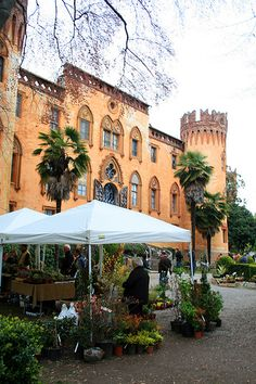 Castello di Roccolo a Busca, Cuneo, Piemonte