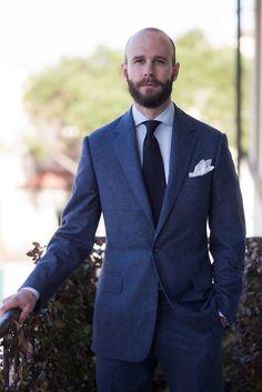 Never enough blue suit ! Blue Flannel Outfit, Flannel Suit, Vanity Clothing, Blazers, La Mode Masculine, Suit And Tie, Suit Fashion, Gentleman Style, Mens Suits