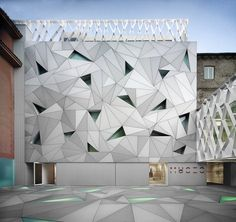ABC Museum, Madrid, 2010 - Aranguren + Gallegos  Flat facade AND floor with a three-dimensional effect!