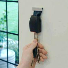 DIY old seat belt key holder! Belt Key Holder, Key Holders, Mail Holder, Seat Belt Buckle, Belt Buckles, Cool Inventions, Garden Trowel, Industrial Design, Man Cave