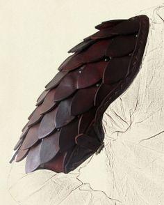 Scale Pauldrons @ battle-ready.com Larp, Cosplay Armor, Cosplay Diy, Arm Armor, Body Armor, Fantasy Armor, Medieval Fantasy, Vikings, Armadura Cosplay