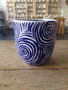 Fotogalerie - Eigenlob Keramik selbst bemalen in Düsseldorf Vase, Studio, Home Decor, Pictures, Round Round, Painting Art, Creative, Patterns, Decoration Home