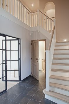 Inventive Staircase Design Tips for the Home – Voyage Afield House Styles, House Inspiration, Home Deco, House Stairs, House, Staircase Design, Cosy House, New Homes, House Entrance