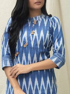 Churidhar Neck Designs, Neck Designs For Suits, Sleeves Designs For Dresses, Neckline Designs, Dress Neck Designs, Simple Kurti Designs, New Kurti Designs, Kurta Designs Women, Kurti Designs Party Wear