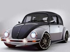 Black over silver over Black Bug . Vw Bugs, Kombi Pick Up, Auto Volkswagen, Volkswagen Beetle Vintage, Vw Super Beetle, Vw Mk1, Sweet Cars, Cute Cars, Vw Beetles