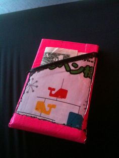 """@LilithUber showed off their homemade pink duct tape wallet on Twitter: """"Designed for me, by me,"""" they tweeted. Meanwhile, check out a """"wallet of the future"""" on Co.Design: http://www.fastcodesign.com/1669980/the-wallet-of-the-future-is-the-wallet-of-the-past"""