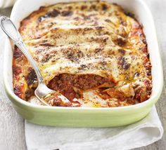 This is easier than you think to make and is so delicious, make double and pop one in the freezer, from BBC Good Food magazine. Bbc Good Food Recipes, Cooking Recipes, Yummy Food, Cooking Ingredients, Yummy Yummy, Mince Recipes, Pasta Recipes, Minced Beef Recipes Easy, Recipes Dinner
