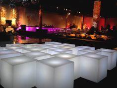 #Mobilário #soholeds #locação #pufes #barmodulado #iuminados #led #controle #remoto !!! #Portabilidade #Design #Festas #Eventos