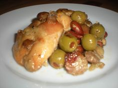 Paleo Chicken Thighs with Almonds and Olives Crock Pot Slow Cooker, Slow Cooker Recipes, Paleo Recipes, Real Food Recipes, Free Recipes, Detox Recipes, Dinner Recipes, Convenience Food, Chicken Thighs