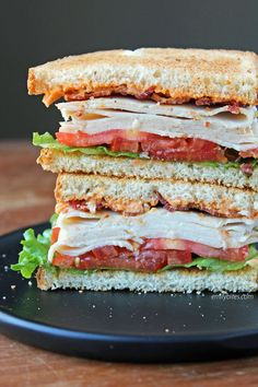 This Cajun Turkey Club Sandwich is full of flavor, piled high with turkey, bacon, spicy mayo, lettuce and tomato on toasty bread. It's just 242 calories or 4 WW Freestyle SmartPoints! Grill Sandwich, Gourmet Sandwiches, Turkey Club Sandwich, Healthy Sandwiches, Sandwiches For Lunch, Turkey Sandwiches, Wrap Sandwiches, Club Sandwich Recipes, Panini Sandwiches
