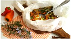 BRUNOISE DE LÉGUMES MÉDITERRANÉENS EN PAPILLOTE : Recette au Cook Processor Une recette colorée,savoureuse,légère mais gourmande avec une coupe de légumes en dés et des herbes fraîches aromatiques de mon potager,un véritable bouquets de saveurs avec une cuisson douce à la vapeur. Un Régal pour les yeux et les Papilles
