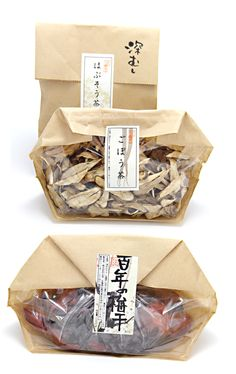 """おそら""の梅干し、薬草茶 Not sure what's inside but I love the simplicity of this #packaging PD"