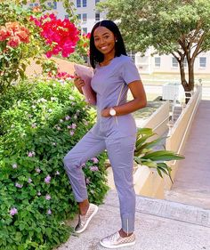 Pintuck Top in Graphite is a contemporary addition to women's medical scrub outfits. Shop Jaanuu for scrubs, lab coats and other medical apparel. Scrubs Outfit, Scrubs Uniform, Hospital Tumblr, Lab Coats For Men, Stylish Scrubs, Medical Scrubs, Nursing Scrubs, Cute Scrubs, Cute Nurse