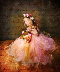 Flower girl heaven! Rose polvorienta vacaciones Enchanted Fairy por enchantedfairyco Too precious for words.