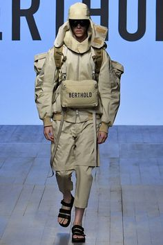 See all the Collection photos from Berthold Spring/Summer 2019 Menswear now on British Vogue Look Fashion, Urban Fashion, High Fashion, Fashion Outfits, Womens Fashion, Fashion Design, Fashion Boots, Fashion Vest, Fashion Guide
