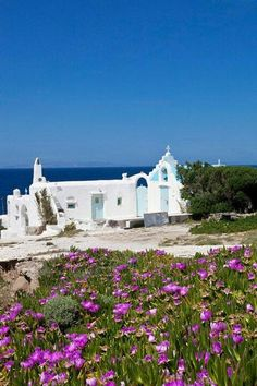 Chapel in Agios Stefanos, Mykonos, Greece Mykonos Island, Mykonos Greece, Island Beach, Wonderful Places, Great Places, Places To See, Beautiful Places, Amazing Places, Empire Ottoman