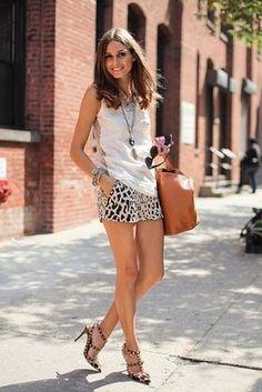 アニマル柄のショートパンツと白タンクでスッキリとした印象に。参考にしたいショートパンツのコーデ・スタイル・ファッション☆