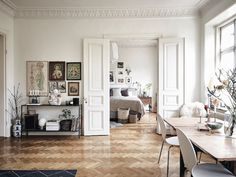 Soft & natural Stockholm apartment with a dreamy bedroom - Daily Dream Decor - Dreamy Living Spaces - French Apartment, Parisian Apartment, Apartment Living, Bedroom Apartment, Home Luxury, Stockholm Apartment, Decoration Inspiration, Interior Inspiration, Deco Design