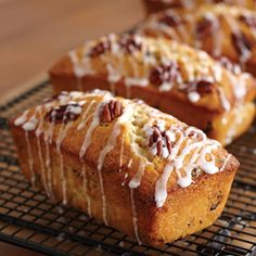 Glazed Cranberry Orange Mini Loaves - The Pampered Chef® Loaf Recipes, Baking Recipes, Cake Recipes, Dessert Recipes, Muffin Recipes, Brunch Recipes, Mini Loaf Cakes, Mini Loaf Pan, Cranberry Bread