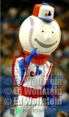 Souki la mascotte des Expos avant Youppi créée par Acme (La vie est une puck: 03/01/2011 - 04/01/2011)