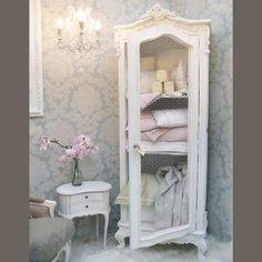Provencal Wire Fronted Demi Armoire from The French Bedroom Company for extra bedding and linens in a bdrm or bath. Shabby Chic Homes, Shabby Chic Decor, Bathroom Ideas Vintage Shabby Chic, French Bathroom Decor, Bathroom Interior, Armoire Buffet, Home Decoracion, Vibeke Design, French Country Decorating