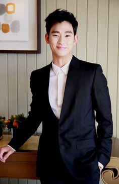 Kim Soo Hyun... bienvenido a mi lista de oppas, eres el número 2 de una lista de 2 xD