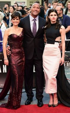 Alexandra Daddario - San Andreas Premiere in London : Global Celebrtities (F) FunFunky.com