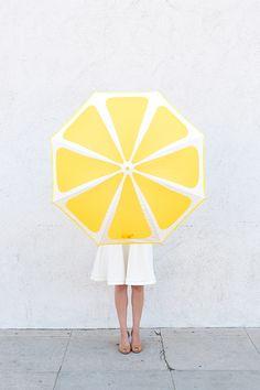 海外発!ひと手間でかわいい自分だけのオリジナルの傘をDIY♡ - Locari(ロカリ)