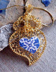 Portugal Silver Filigree Heart of Viana with Antique Blue Azulejo Tile Replica Necklace from Porto Sterling Silver in Gold Bath Jewelry Box, Jewelery, Silver Jewelry, Jewelry Making, Portugal, Silver Filigree, Bling, Pure Products, Sterling Silver