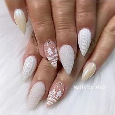 If you are getting ready for the holidays by painting a winter wonderland on your nails, these Cutest Christmas Nail Art DIY Ideas will surely give you a cheerful Christmas season this year. Cute Christmas Nails, Christmas Nail Art Designs, Xmas Nails, Holiday Nails, White Christmas, Xmas Nail Art, Valentine Nails, Halloween Nails, White Nail Designs