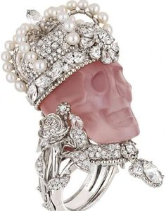 jewel encrusted pink skull ring... i want this so bad!