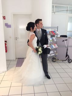 ♥ Traumhaftes Spitzenkleid von LaSposa Gr. 34 ♥  Ansehen: http://www.brautboerse.de/brautkleid-verkaufen/traumhaftes-spitzenkleid-von-lasposa-gr-34/   #Brautkleider #Hochzeit #Wedding