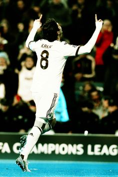 Real Madrid's Kaká scored his 28th goal in the Champions League, becoming the top-scoring Brazilian in the competition.
