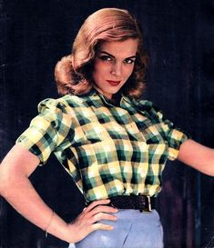 Lizabeth Scott photographed by Andre De Dienes for LOOK magazine, 1945