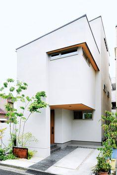 デザインのヒントはお手持ちの家具。 狭小地でも明るくスタイリッシュに|実例紹介|木造注文住宅、戸建住宅、ハウスメーカー|住友林業 Art Studio At Home, Home Art, Exterior Design, Interior And Exterior, Japanese Modern House, Minimal Home, Prefab, House Rooms, Interior Design Kitchen