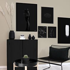 How freaking gorgeous does these black prints look on this beige wall?🤤🤩 Get inspiration for your next gallery wall - Go to our Story Highlights and swipe up to shop the look directly👌🏼 Black Wall Decor, White Home Decor, Home Office Decor, Beige Walls, Black Walls, Daybed Room, Condo Decorating, Bedroom Black, Home Room Design