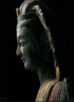 菩薩立像(中国、青州市博物館)
