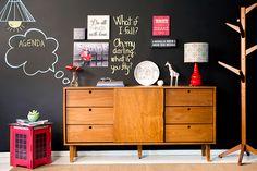 Móveis estilo rétro Buffet Vintage, Estilo Retro, House Goals, Furniture Projects, Sliding Doors, Sideboard, Storage Spaces, Drawers, Sweet Home
