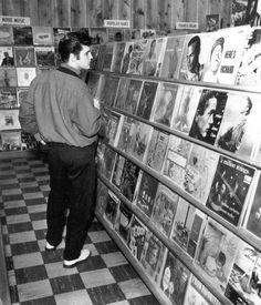 January 8, 1957 ~ Elvis At Poplar Tunes Memphis Photo Wall, Fotografie
