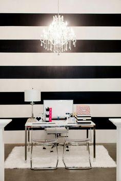 wohnzimmer einrichten weiss schwarz tisch | Wandgestaltung ...