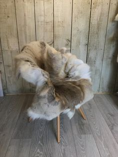 Beautiful Genuine Scandinavian Reindeer Hide in Natural colour. This is the actual rug you will receive #2 by Swedishdalahorse #TrendingEtsy