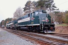Aberdeen, Carolina & Western Railway (AC&W) # 900 waits with #9529 on a weekend day in fall of 2009 at railroad's yard, Star North Carolina. Office 967 North Carolina 211, Candor, NC 27229